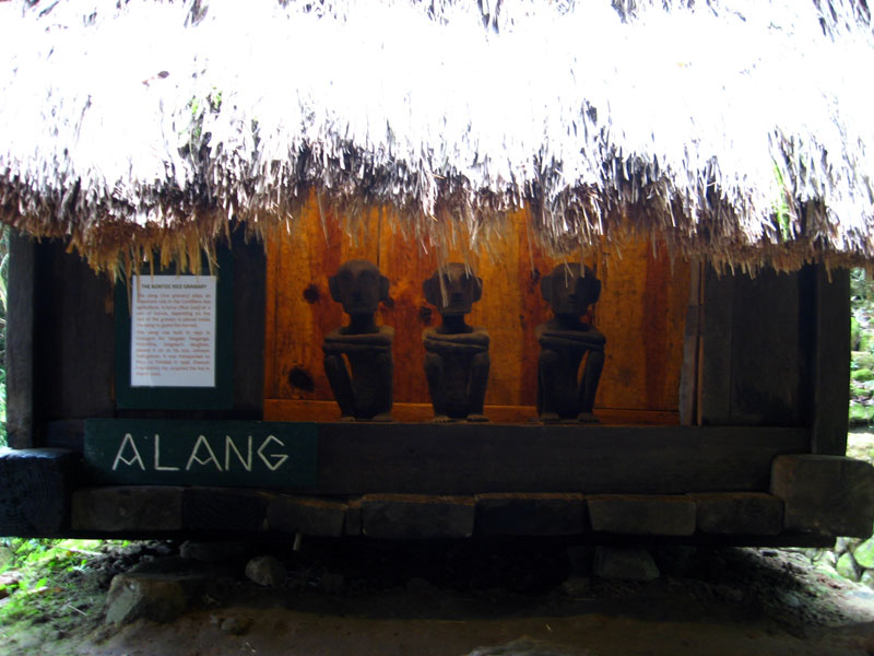 Three Bul-uls on guard at the alang