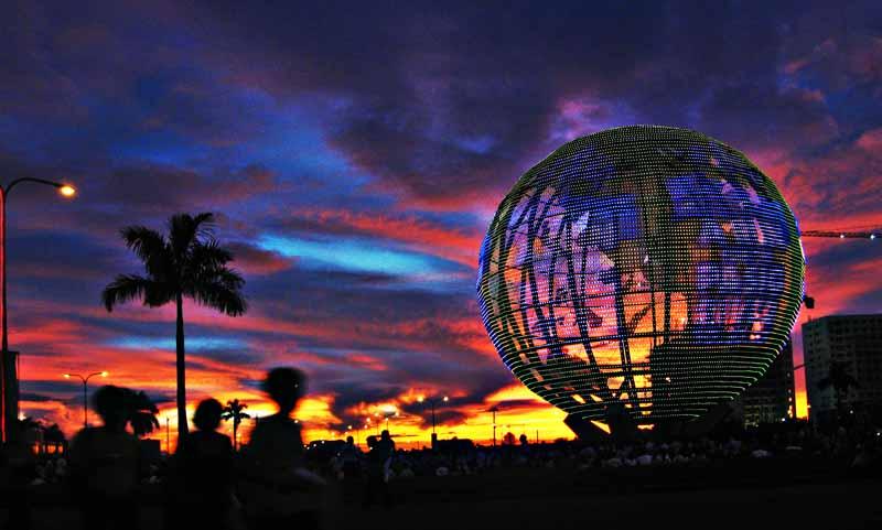 MOA globe