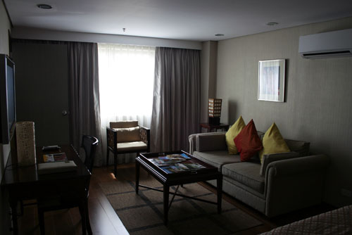 ONE TAGAYTAY PLACE PENTHOUSE ROOM_AURA