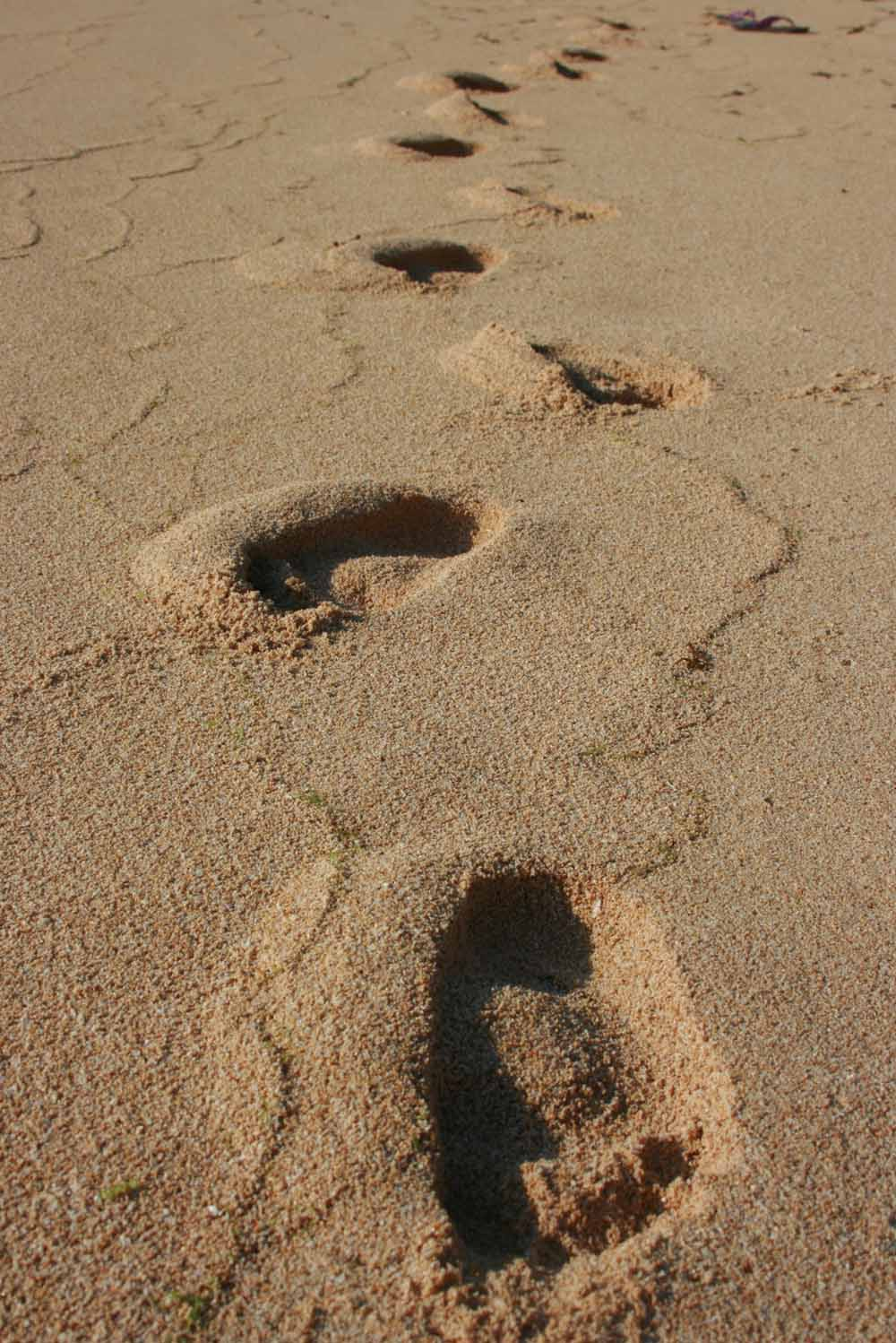 Only one set of footprints