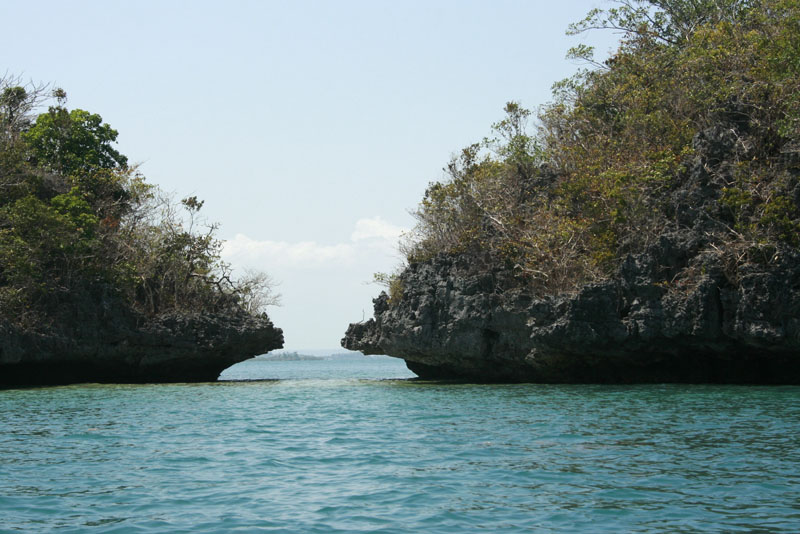 Kissing Islands