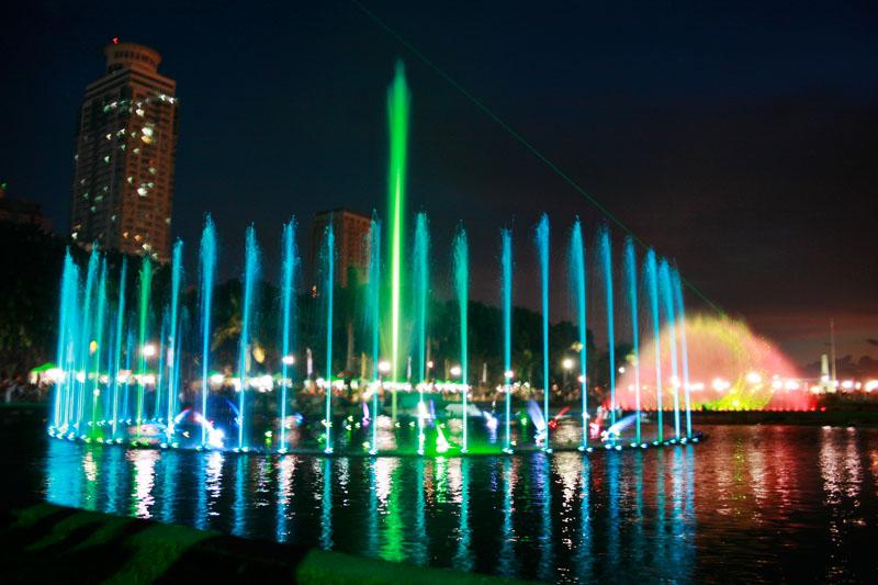 Rizal Park Dancing Fountain2