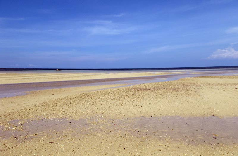 Cagbalete beach on a low tide