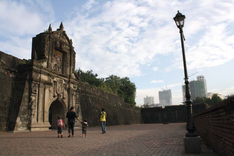 Fort Santiago with the Binondo skyline looming over. Hello lampost