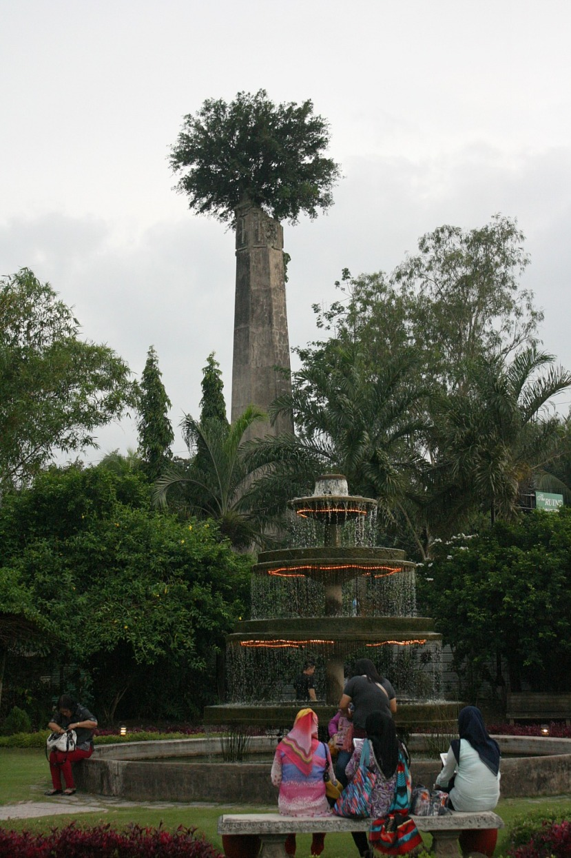 The Ruins, Negros Occidental, muscovado mill chimney and 4-tiered fountain