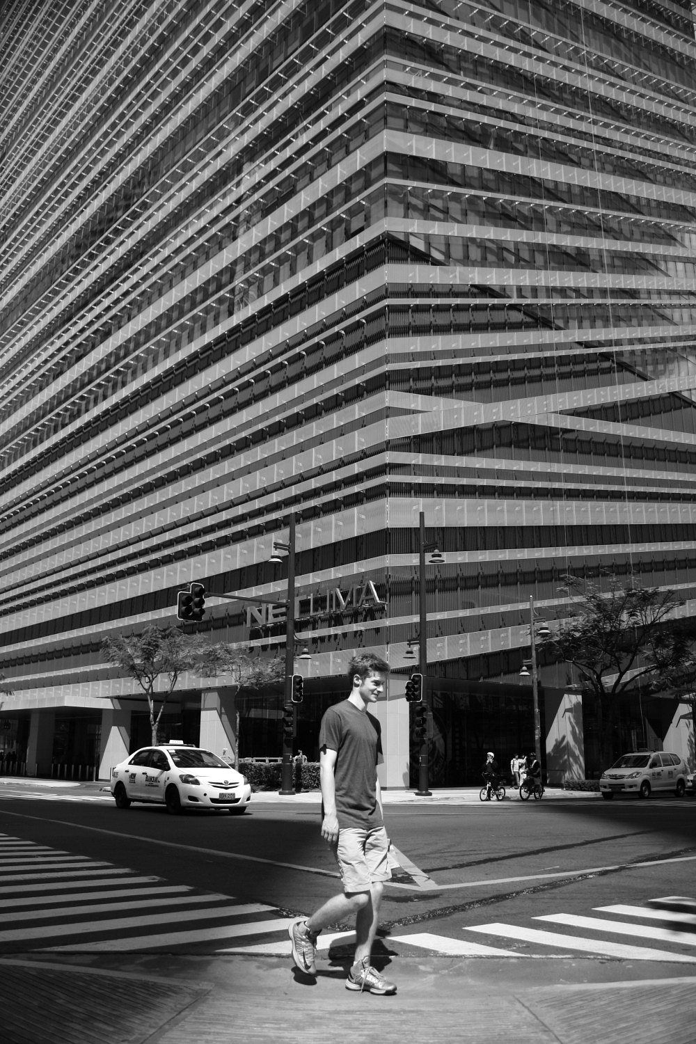 street photography, Bonifacio Global City, Elmer Nev Corado Valenzuela