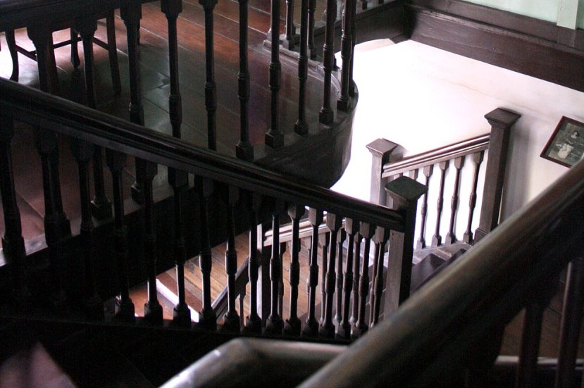 Bernardino Jalandoni House, old staircase, photo  by Elmer Valenzuela