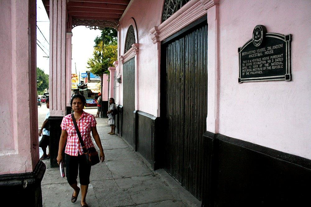 Bernardino Jalandoni Ancestral House photo by Elmer Nev C. Valenzuela