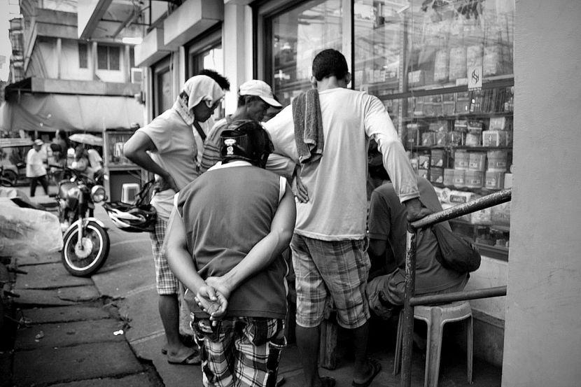 Chess match on the street, Iriga City