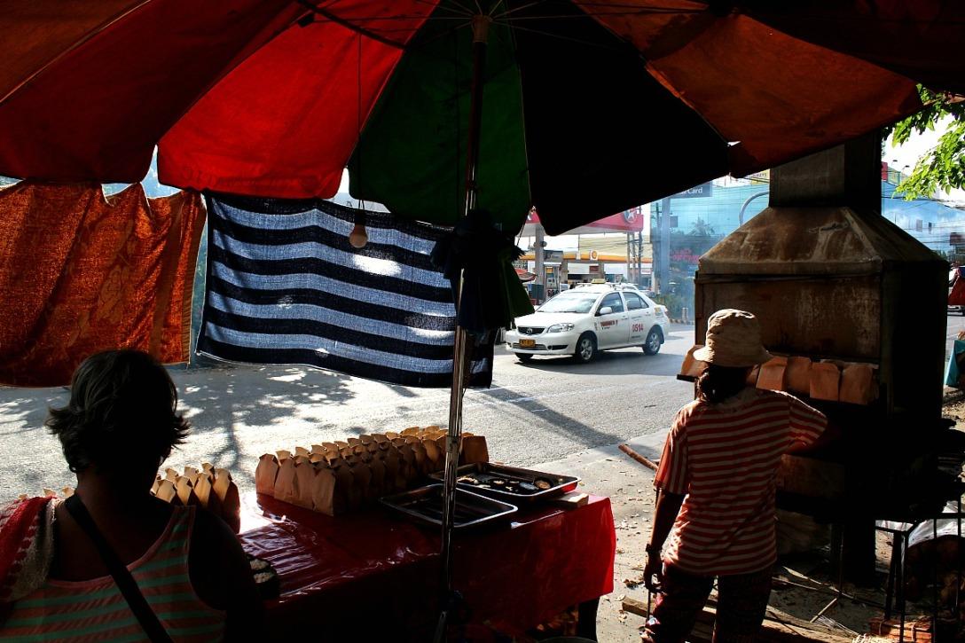 """Street """"bibingka"""" Molo, Iloilo"""