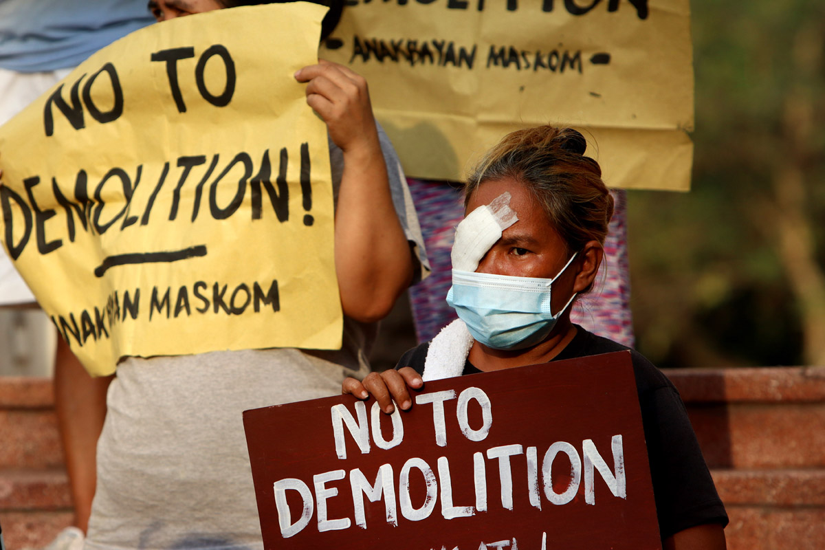 3_Representing Pook Malinis, Ate Bebang joins protest calls for end to demolition of their community, March 1, 2021.